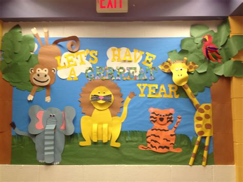 themes zoo story jungle themed bulletin board by ms schramm bulletin