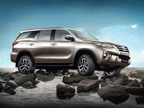 about toyota toyota fortuner wallpapers free download