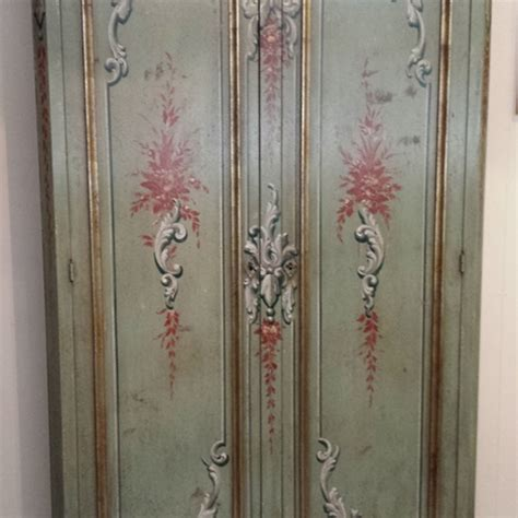 dipingere ante armadio armadio stipo classico in legno dipinto a mano armadi a