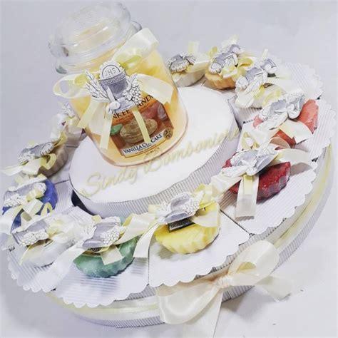 torta con candele torta per prima comunione yankee candle con tartine e