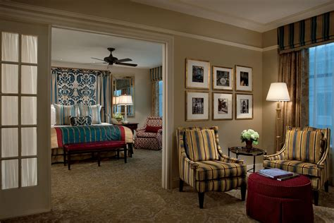 hotels with bedroom and living room in new orleans 15