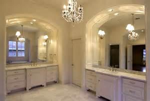 badezimmer auf englisch a master bath in an tudor home