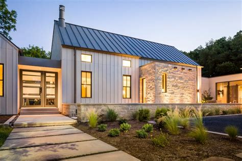 building homes glorious modern farmhouse in dallas texas 12 hq pictures