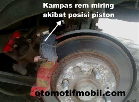 Rem Cakram Lengket Pada rem cakram lengket pada roda belakang mobil mazda