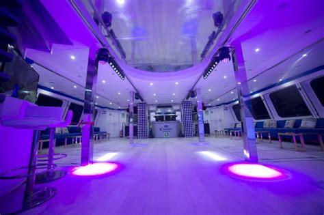 catamaran ibiza fiesta barco fiesta en catamar 225 n mediod 237 a ibiza boat party club