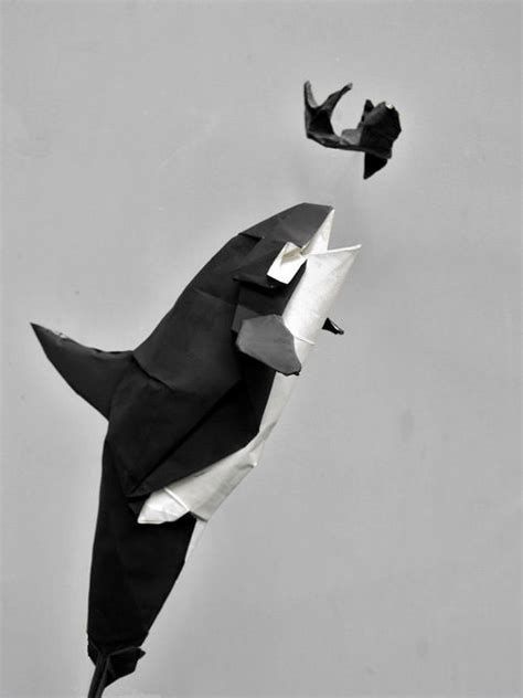 Origami Killer Whale - beautiful exles of origami paper hongkiat