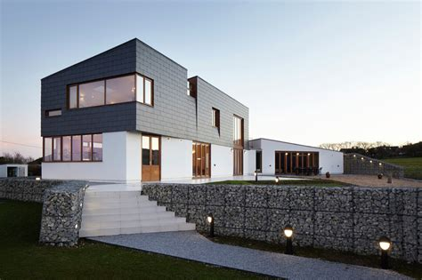 Split Houses | split house alma nac archdaily