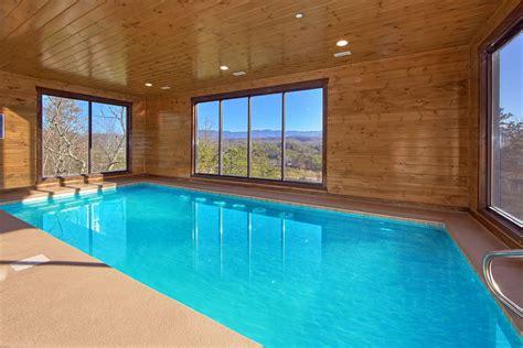 bedroom sleeps  splash mountain  large cabin rentals