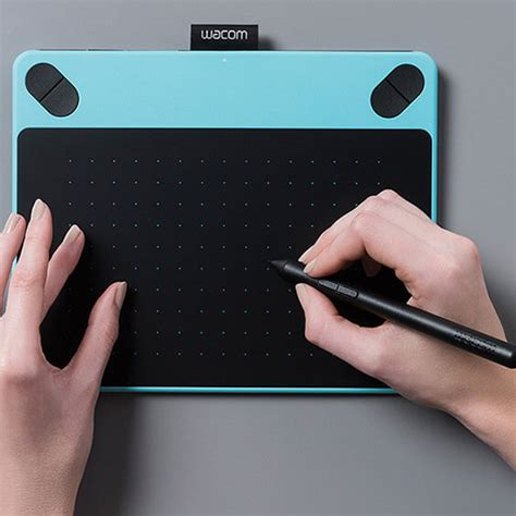 Wacom Intuos Comic Pen Touch Small Blue Cth 490 intuos comic creative pen touch tablet small blue