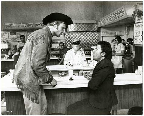 film macadam cowboy dustin hoffman et jon voight dans macadam cowboy