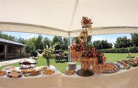 buffet in giardino buffet in giardino di agriturismo al buttasella foto
