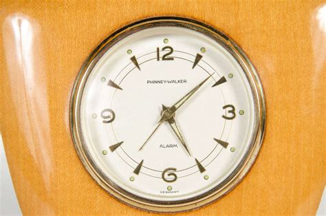 Mid Century Modern Desk Clock At 1stdibs Modern Desk Clocks