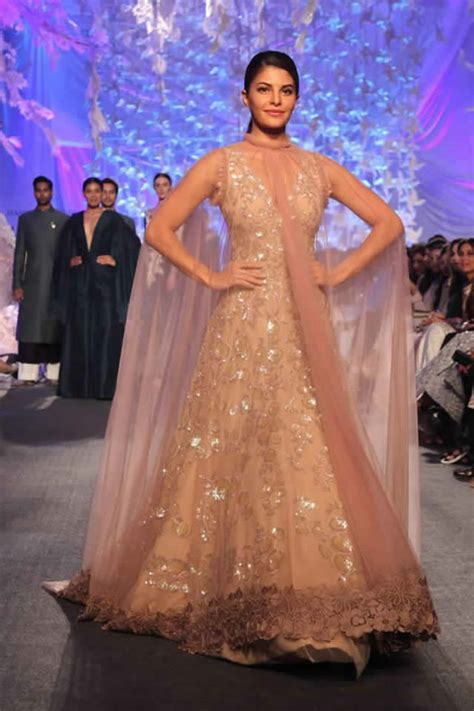 bridal wear inspiration from lakme fashion week 16   fullonwedding