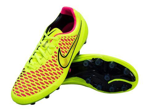 Sepatu Bola Paling Ringan sepatu2 bola paling ringan di dunia wisbenbae