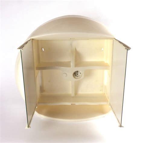 badkamerkastje met stopcontact retro badkamerkastje met spiegel vindingrijk