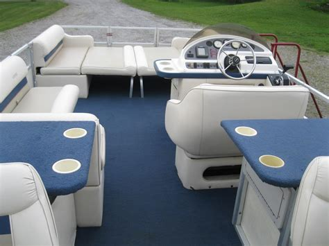 pontoon boat seats toronto 1997 crest fish cruise 22 pontoon boat w 40hp outside