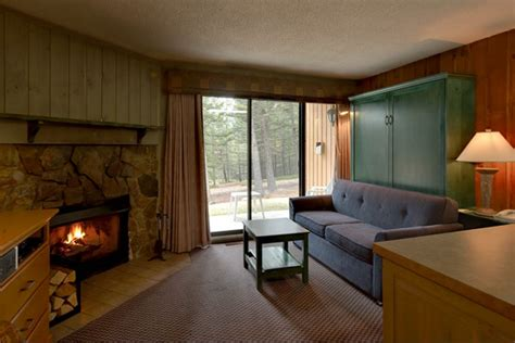 one bedroom condo douglas fir resort chalets banff canada