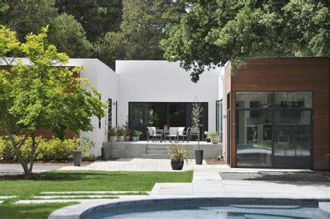u shaped house with courtyard u shaped house courtyard house pinterest
