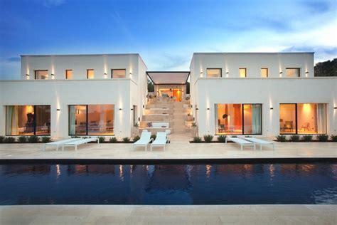 chic  modern italian villa luxury topics luxury