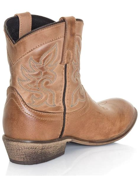 ankle cowboy boots womens best 20 ankle cowboy boots ideas on black