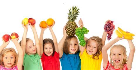 alimenti per combattere la stitichezza gli alimenti migliori aiutano i bambini a combattere