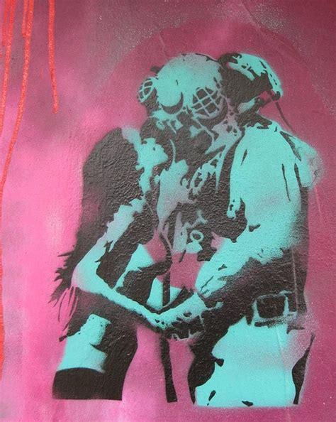 spray painter darwin scubadriver stencil in darwin wonderful pink and