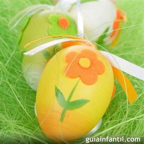 decorar huevos de navidad decoraci 243 n de huevos de pascua con fieltro