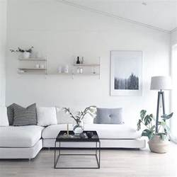 simple livingroom 25 best ideas about minimalist living rooms on