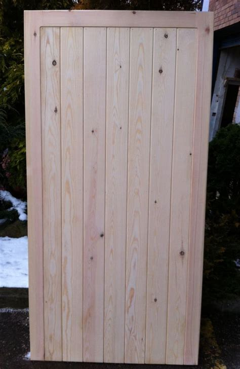 silkstone design wooden framed ledged and braced timber