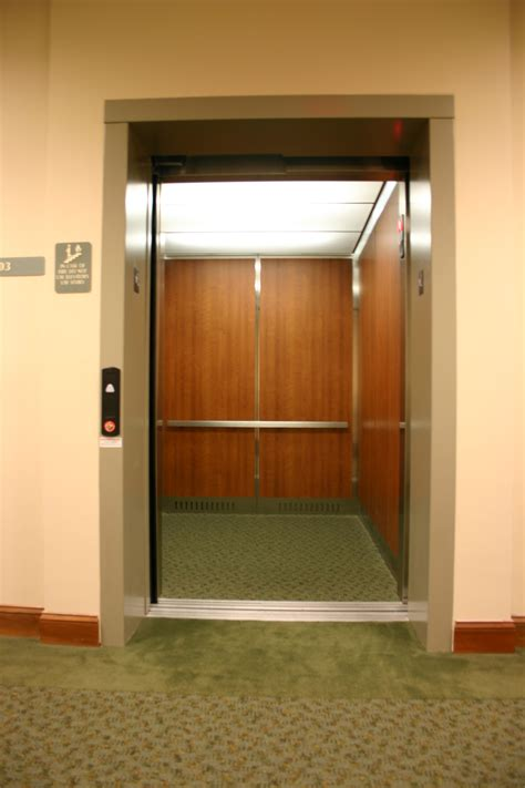 how much does a home elevator cost residential elevator