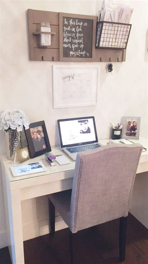Small Desk Space Ideas Best 25 Small Office Spaces Ideas On