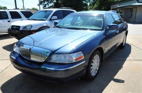 how do i learn about cars 2005 lincoln town car seat position control purchase used 2005 lincoln town car signature in 3120 summerhill rd texarkana texas united