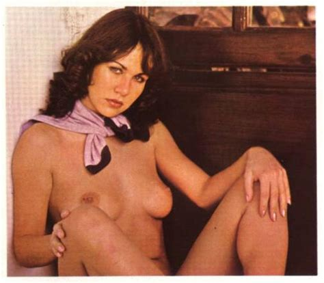 L In Gallery Young Linda Lusardi Naked Picture