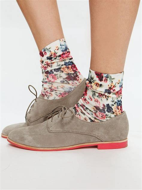 oxford shoes socks 1000 images about how to wear it brown leather oxfords