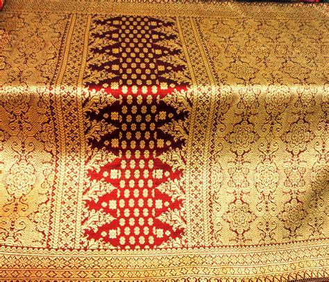 Kain Jumputan Cengkeh Merah Cabe Handmade jual songket palembang motif lepus maron nago besaung