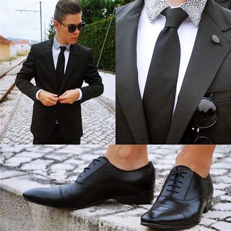 oxford shoes with suit cristian hanga zara shirt with animal print zara black