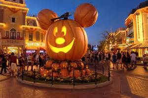 disneyland halloween party rides open disneyland mascotshows