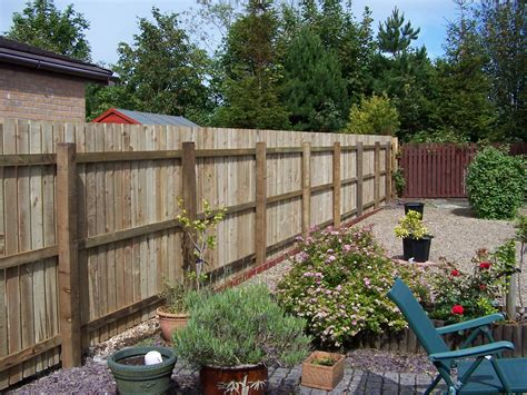 garden fence    marks paving  patios