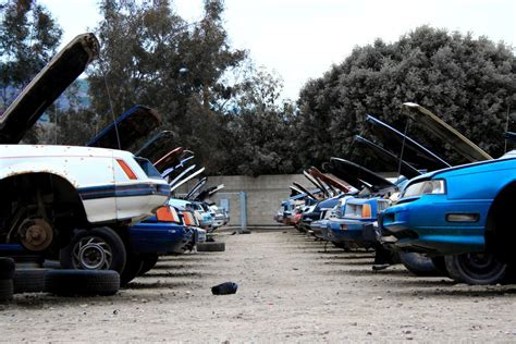 places that buy junk cars for junk