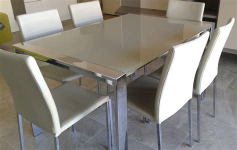 tavoli di cristallo sala da pranzo tavoli di cristallo sala da pranzo ritagliata colpo di