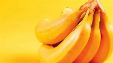 banana wallpaper download close up banana fruit wallpaper wallpaper wallpaperlepi