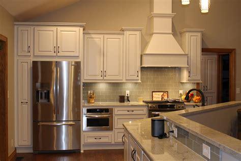 Contemporary Kitchen Backsplash Ideas chimney style hoods