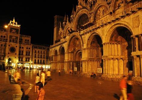 popolare san marco venezia notte a san marco