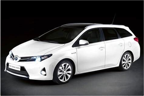 Toyota Hybrid Car Toyota Auris Hybrid T Spirit Carkeys Electric Cars And