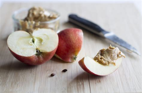apple before bed 5 healthy bedtime snacks for weight loss