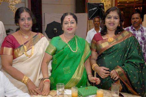 actress vaishnavi sowcar janaki photos s narayan s daughter vidya gets engaged to