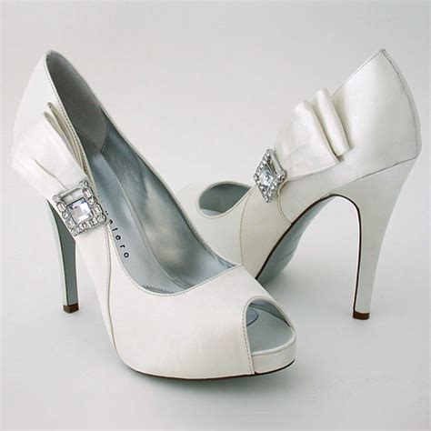 comfortable bridal heels selecting comfortable shoes for your wedding