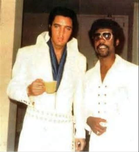 heart of vegas fan page 1000 images about elvis posed pics with fans friends on