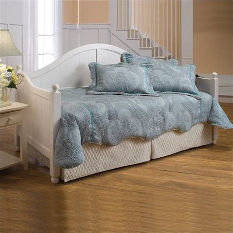 white day bed hillsdale augusta wood daybed in white finish 1434dblhxx