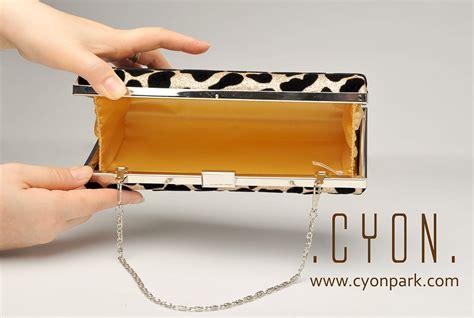 Tas Selempang Rantai Panjang Hitam Silver Gold Wanita Chanel Zara Gosh tas pesta your arm at the all sold out